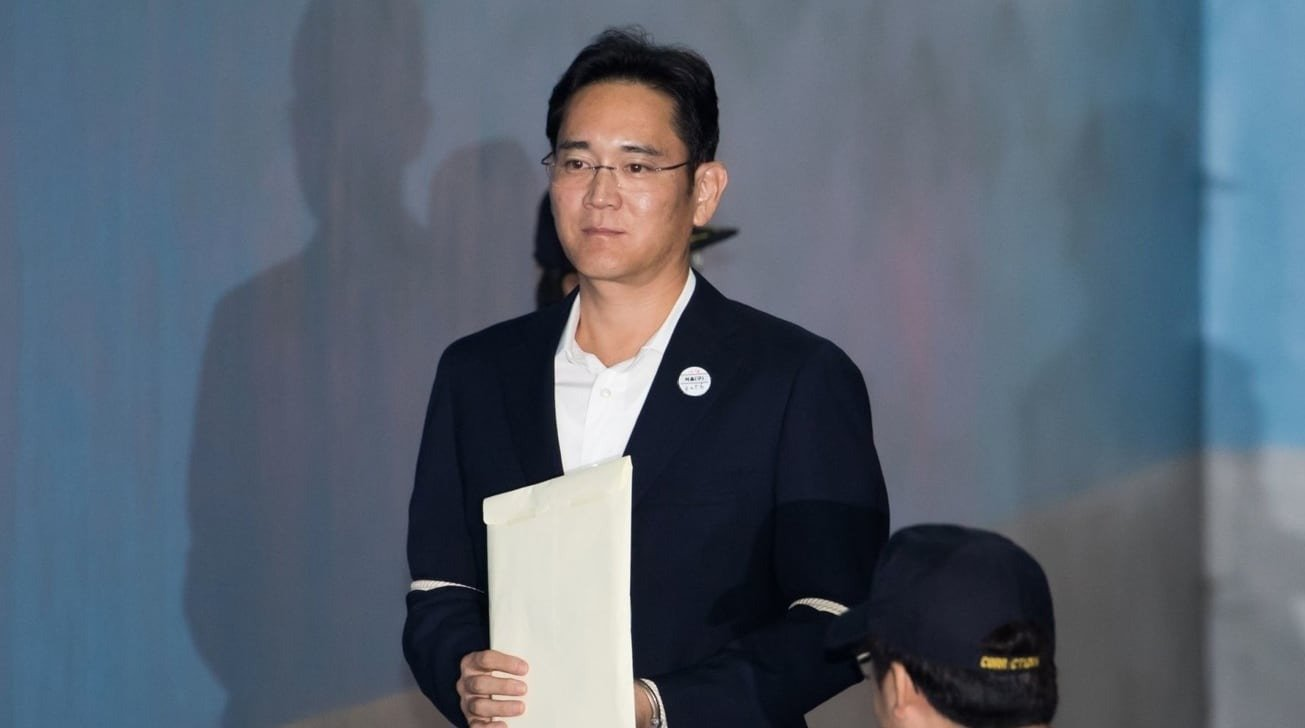 Samsung boss paroled to months sentence for bribery and embezzlement