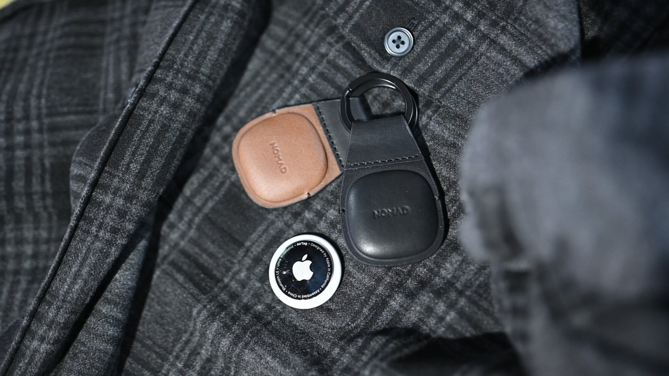 Black and Rustic Brown of Nomad's Leather Keychain