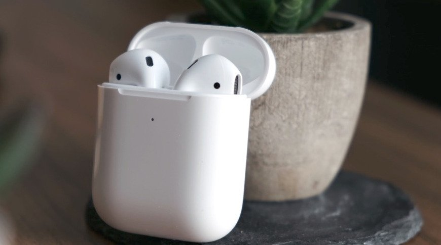 Free AirPods Offer Incentives Vaccines for Youth in Washington, DC