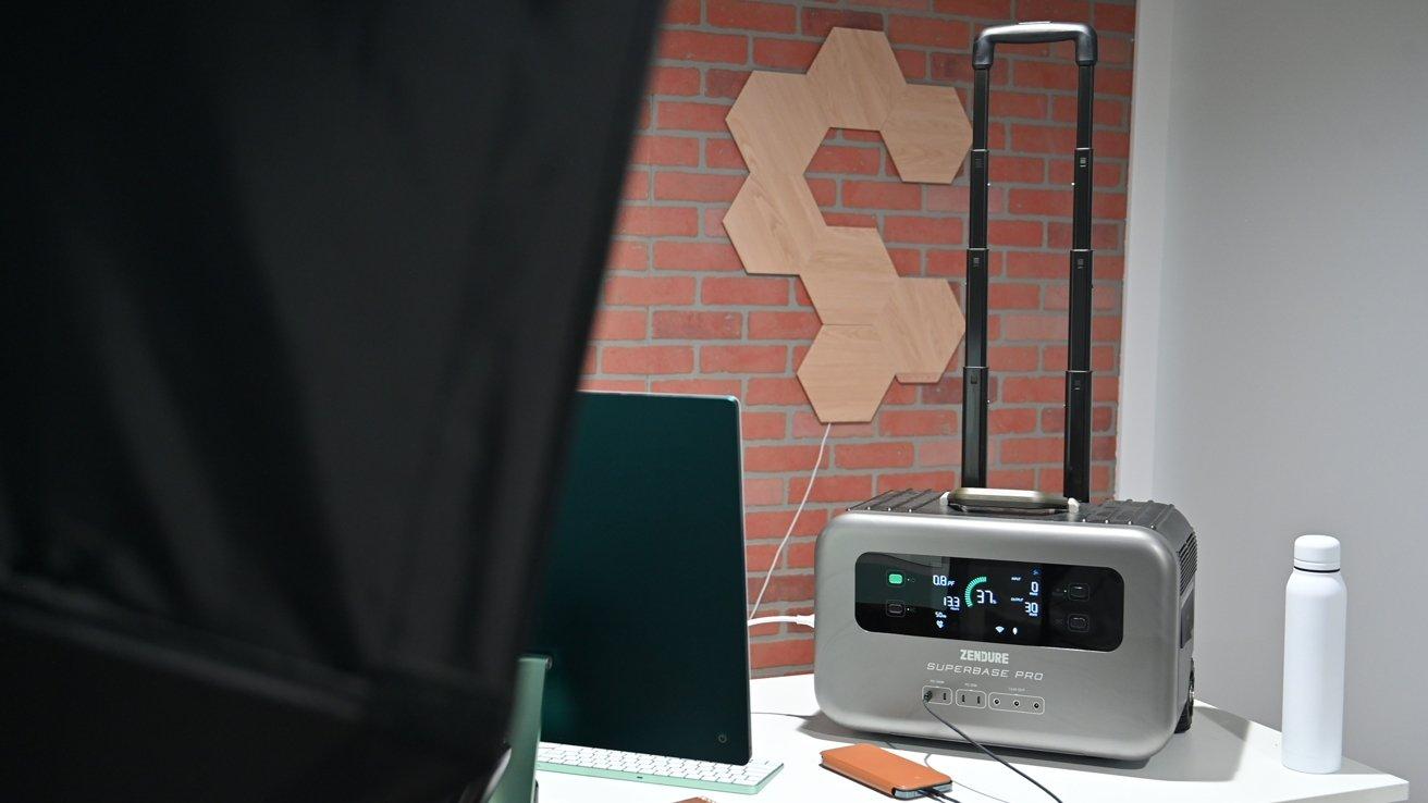SuperBase Pro travel handle