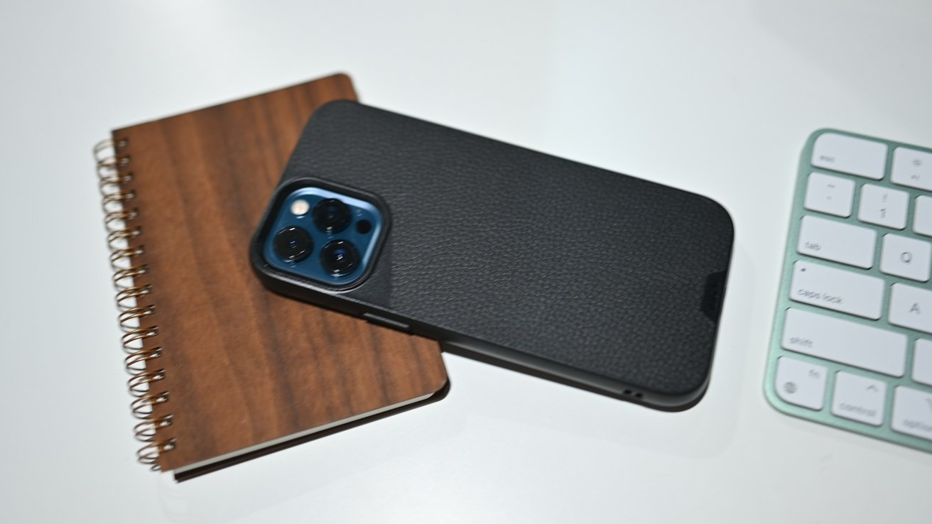 The Mous leather case