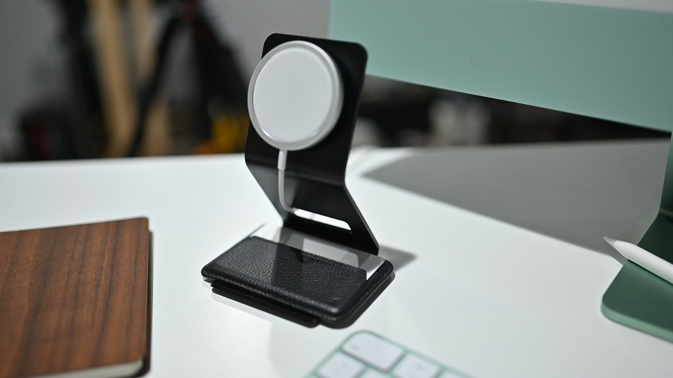 Mous MagSafe stand holds your wallet while not mounted on your phone