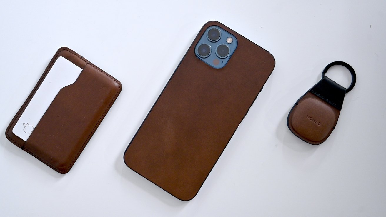 Nomad's various leather goods