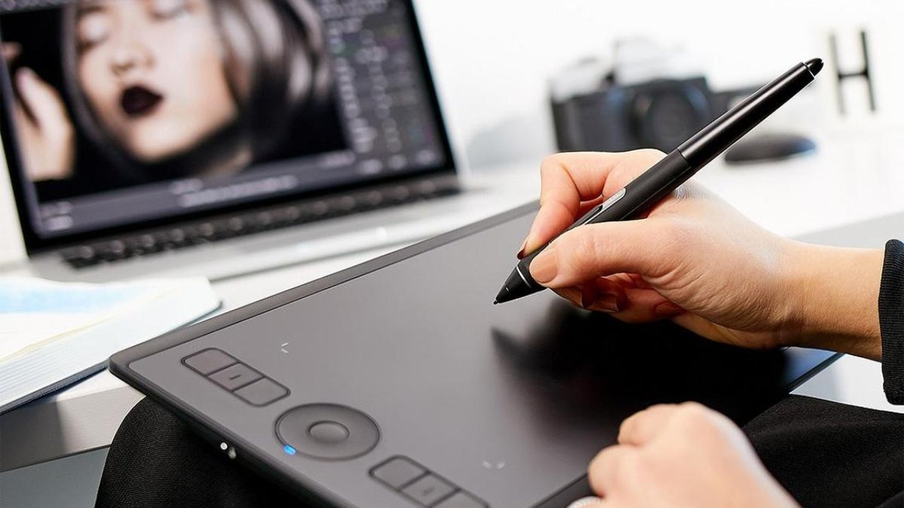 $80 off Wacom PTH660 Intuos Pro Digital Graphic Drawing Tablet
