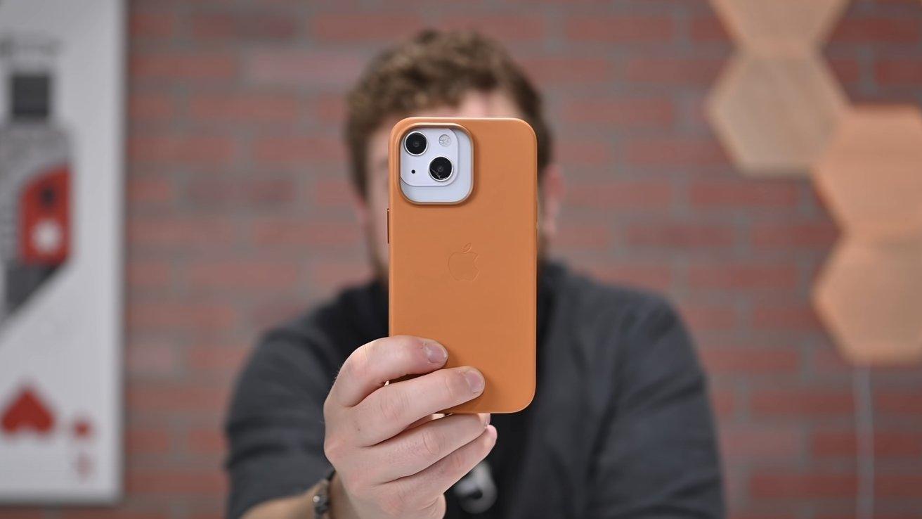iPhone 13 Pro case on iPhone 13 dummy unit
