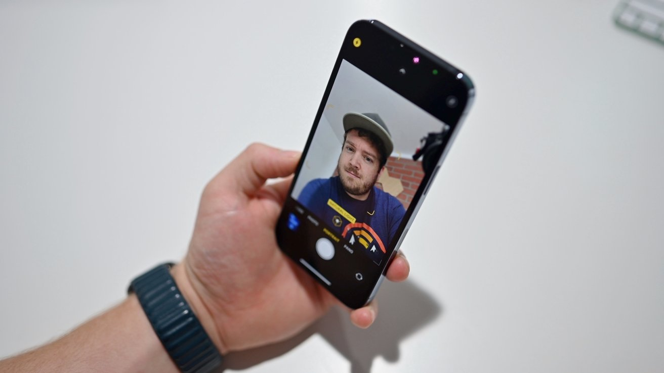Front facing cameras on iPhone 13 Pro