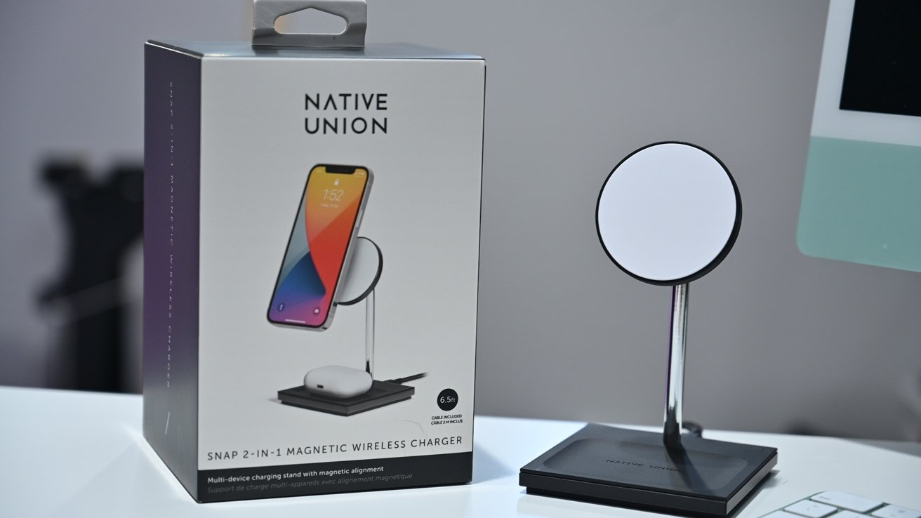 Snap 2-in-1 Magnetic Wireless Charger and box