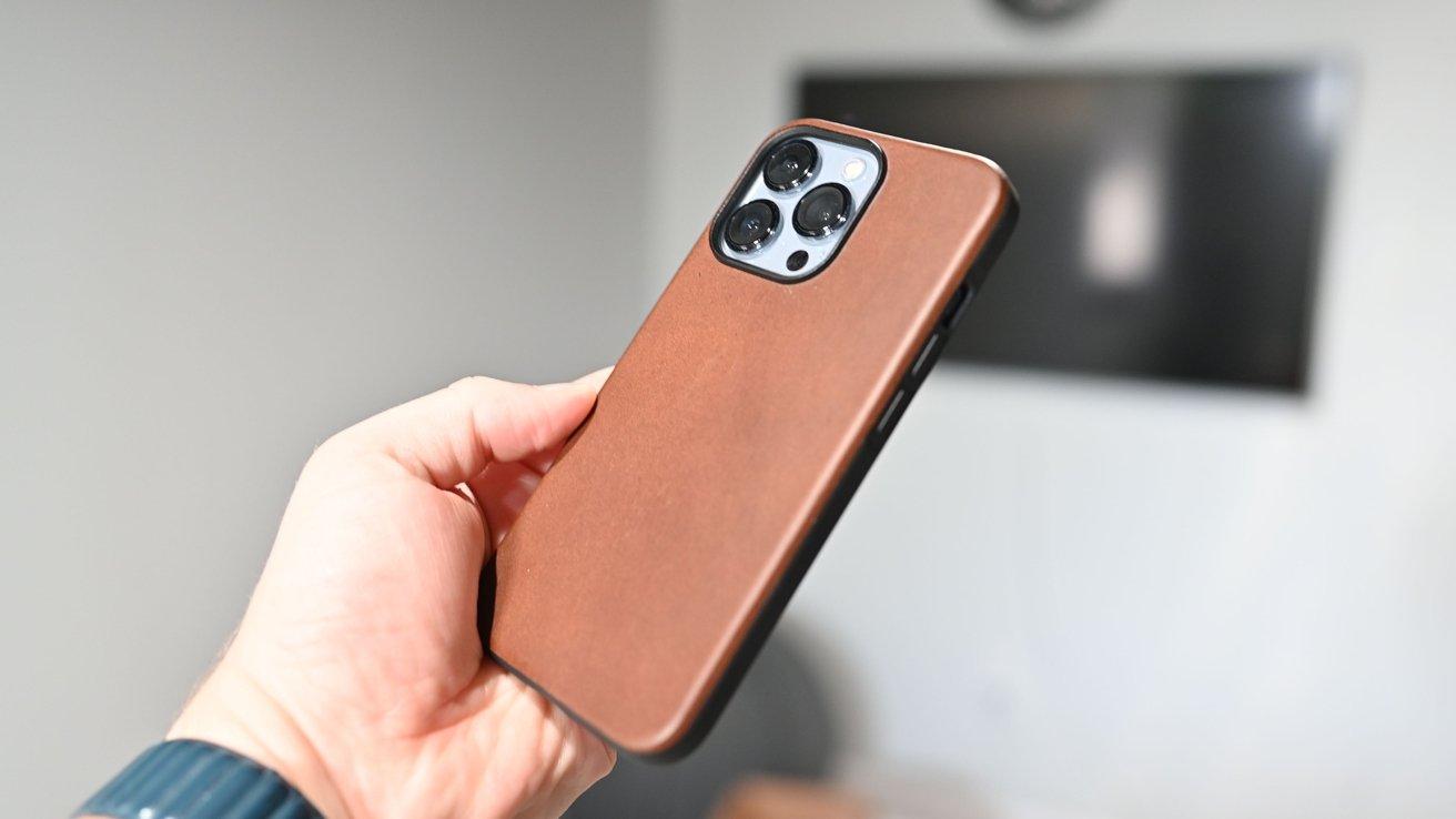 The Nomad Modern Case